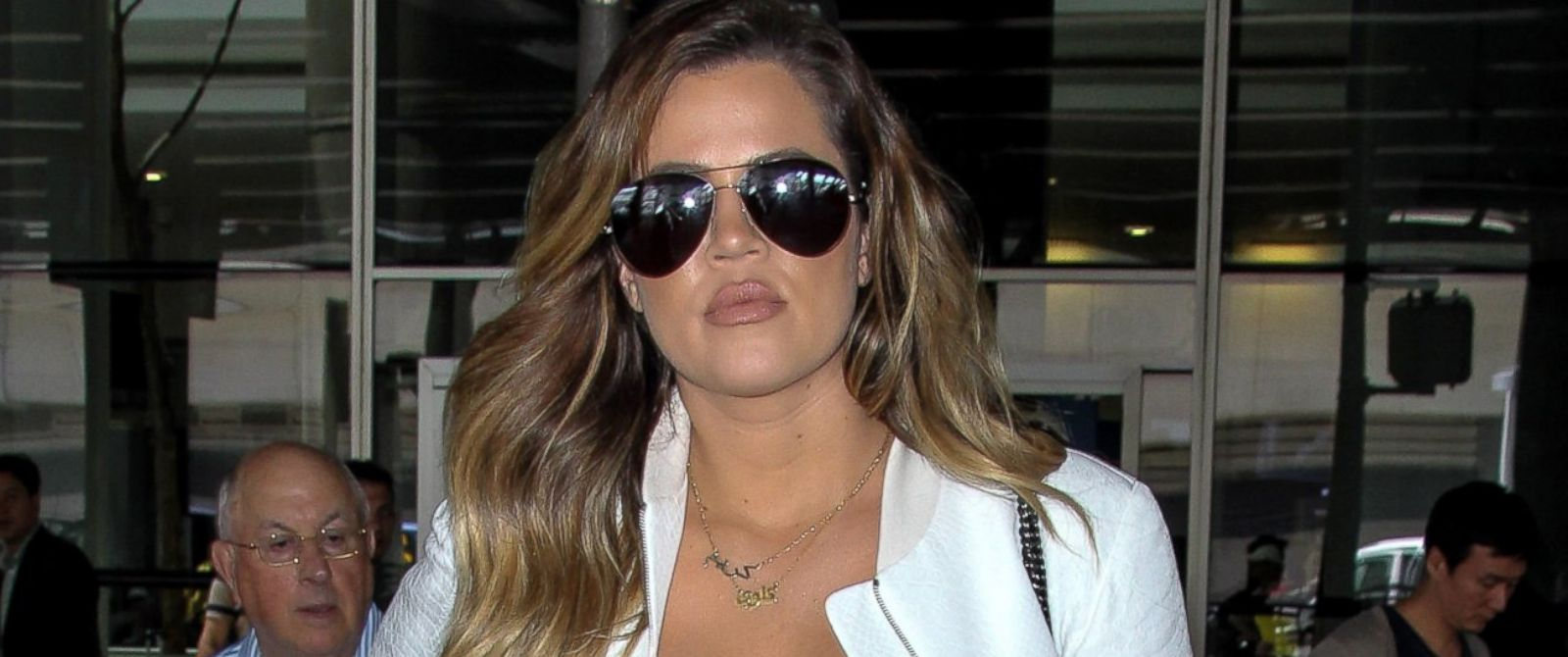 PHOTO: Khloe Kardashian arrives at JFK, May 26, 2014, in New York City.
