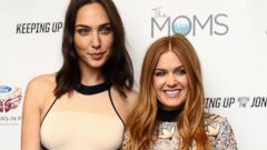 Gal Gadot and Isla Fisher Side by Side on the Red Carpet
