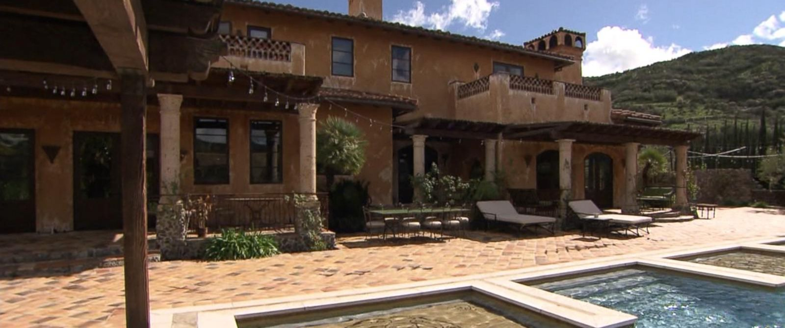 Meet the real family that lives in the bachelor mansion breaking us news - Bachelor house ...