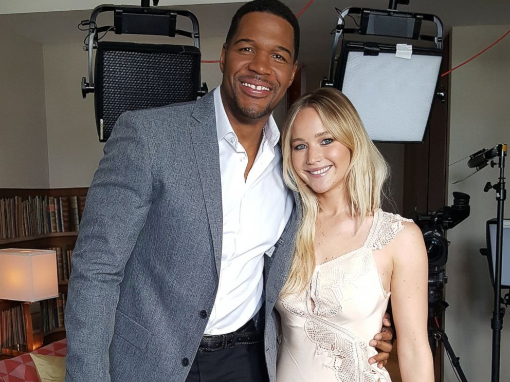 jennifer lawrence passengers. photo: jennifer lawrence discusses her role in passengers with michael strahan for good morning america