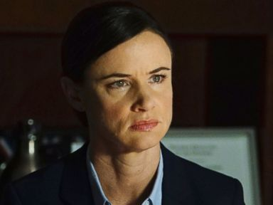 PHOTO: Juliette Lewis appears on an episode of Secrets and Lies, that aired on the ABC Television Network on Oct. 23, 2016.
