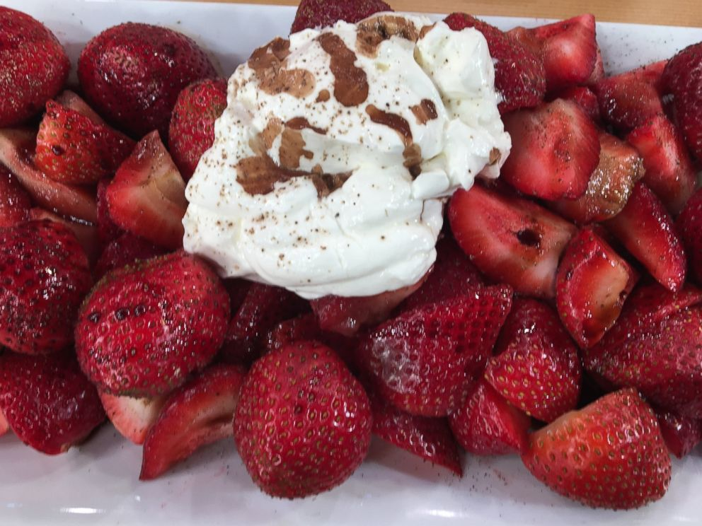 PHOTO: The Chew co-host Mario Batali shared recipes for quick summer snacks on Good Morning America.