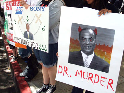 http://a.abcnews.com/images/Entertainment/abc_MJProtest1_100614_main.jpg
