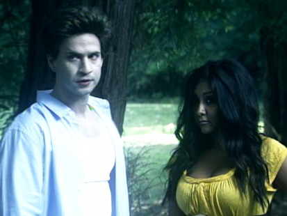 VIDEO: Twilight movie is spoofed by the Jersey Shore cast.