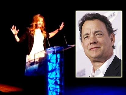 VIDEO: Julia Roberts curses at gala honoring Tom Hanks.