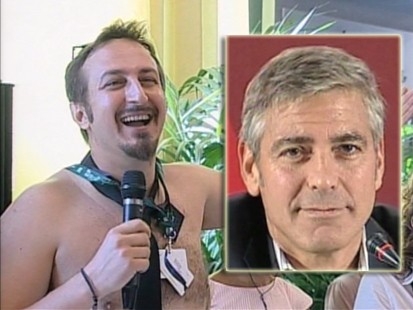 VIDEO: A journalist strips for George Clooney at a press conference in Italy.