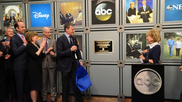 abc bobigerplaque le 140512 16x9 608 ABC News Headquarters Named for Barbara Walters
