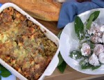 """PHOTO: Emeril Lagasse prepared his breakfast bread pudding and blueberry beignets on """"Good Morning America."""""""