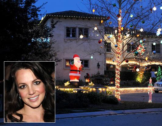 how stars will celebrate christmas picture celebrity holiday plans abc news - Celebrities Christmas Decorated Homes