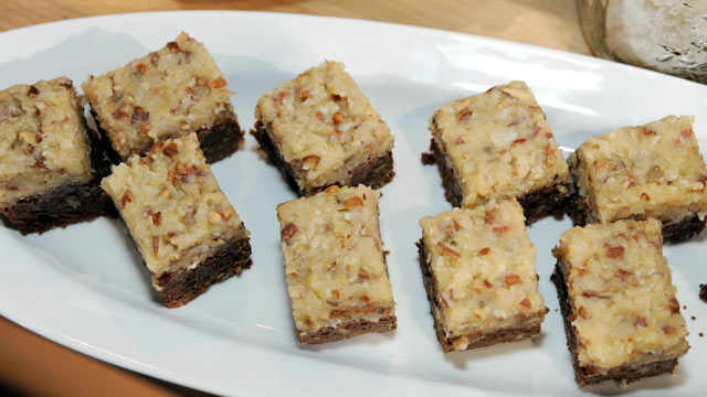 PHOTO: Trisha Yearwood's coconut frosted brownies are shown here.