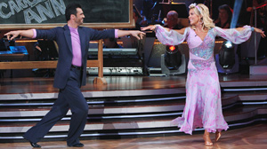 "PHOTO Kate Gosselin and Tony Dovolani compete on ""Dancing with the Stars,"" April 19, 2010."