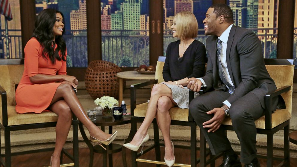 "PHOTO: Kelly Ripa and Michael Strahan talk to Gabrielle Union during ""Live! with Kelly and Michael""  in New York, Jan. 7, 2014."