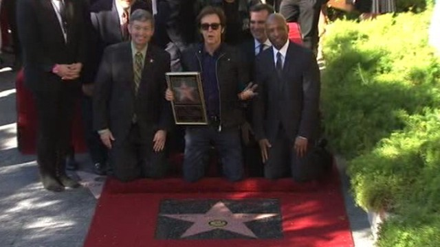 VIDEO: McCartneys star is in front of Capitol Records alongside his Beatles mates.