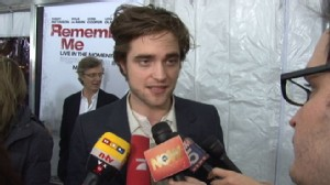 VIDEO: Robert Pattison at the Remember Me Premiere