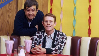 PHOTO: Tom Bosley and Ron Howard in &quot;Happy Days&quot;, 1974.
