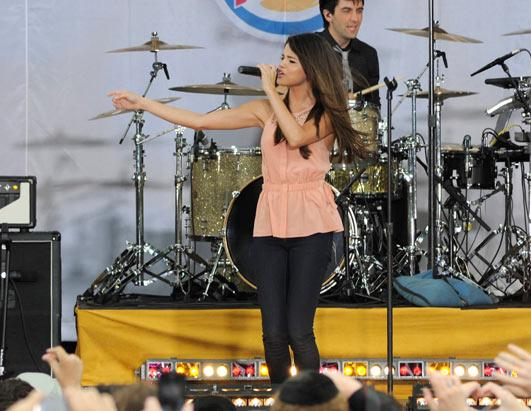 Selena Gomez: Teen Idol on 'GMA'!