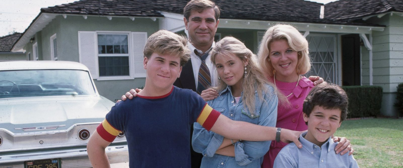 "PHOTO: Jason Hervey, Dan Lauria, Olivia dAbo, Alley Mills, Fred Savage in the premiere of ""The Wonder Years""."