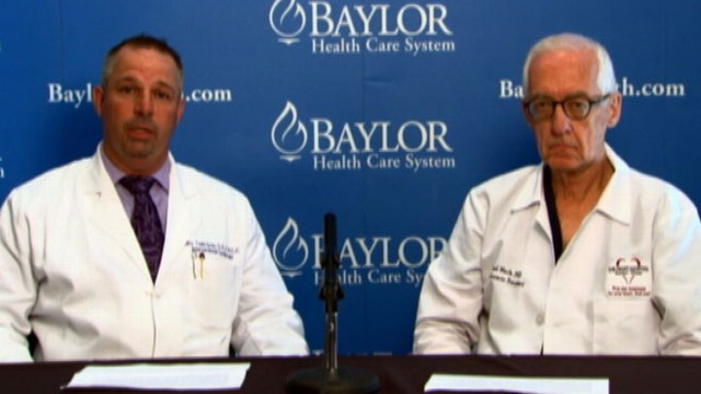 VIDEO: Drs. William Gray and Michael Mack, who are treating the country star, speak about his condition.