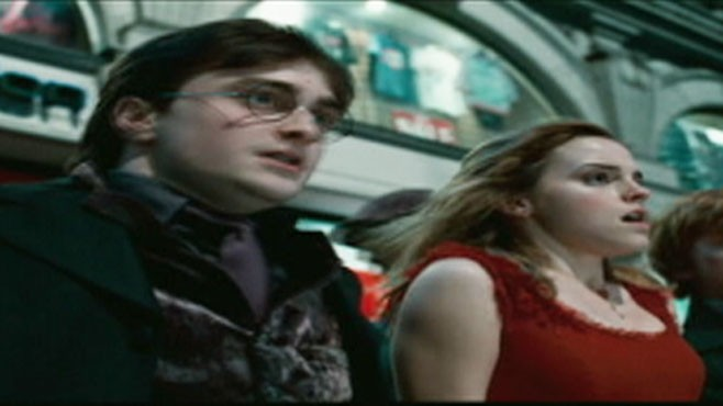 VIDEO: A review of Harry Potter and the Deathly Hallows.