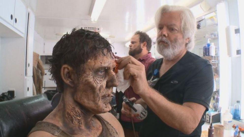 How u0026#39;Walking Deadu0026#39; Cast Transforms Into Terrifying Zombies