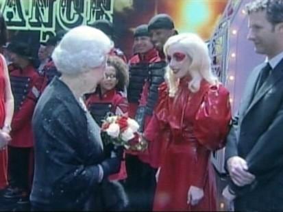VIDEO: Lady GaGa meets Queen Elizabeth.