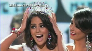 VIDEO: Jimena Navarette is crowned at the Miss Universe 2010 competition in Las Vegas.