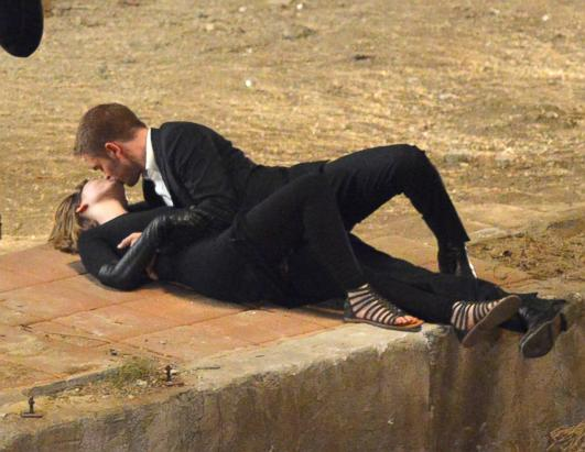 Robert Pattinson Films Passionate Scene with Co-Star