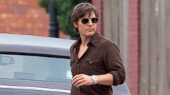 Tom Cruise Gets Into Character for His New Movie