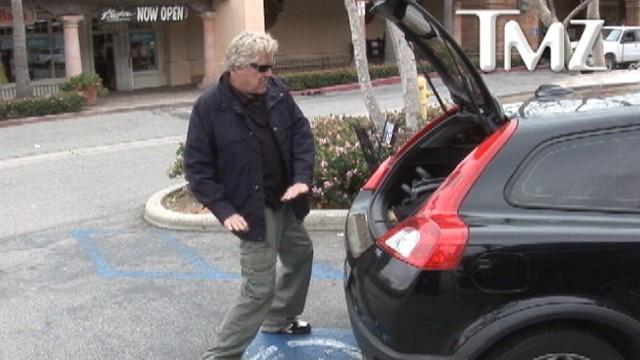 VIDEO: Actor dances in a Malibu parking lot the day before filing for bankruptcy.