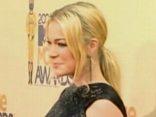 Watch: LeAnn Rimes Seeks Treatment for Anxiety