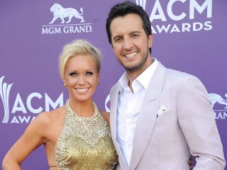 Luke Bryan Shocks with ACM Win