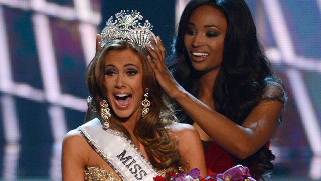 PHOTO: Miss Connecticut Erin Brady reacts after winning the Miss USA 2013 pageant, Sunday, June 16, 2013, in Las Vegas.