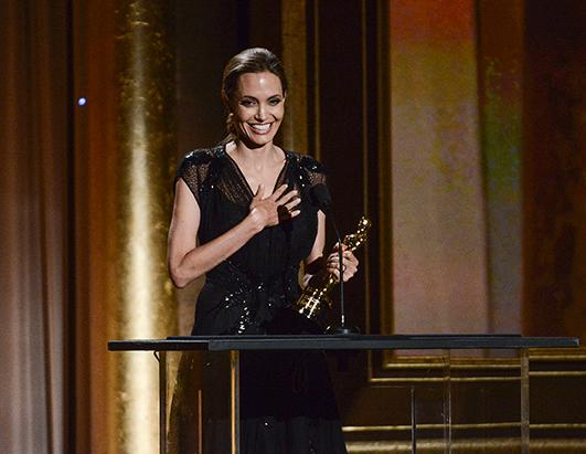 Angelina Jolie: Accepts Governors Award