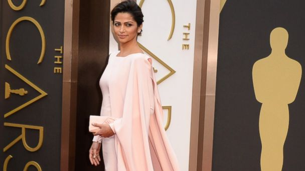 PHOTO: Camila Alves arrive at the Oscars, March 2, 2014, at the Dolby Theatre in Los Angeles.