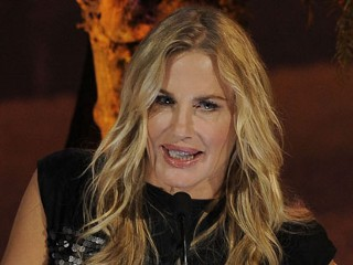 Daryl Hannah Arrested for Protesting Pipeline