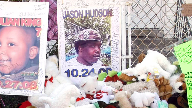 PHOTO: In an Oct. 28, 2008 photo, a makeshift memorial for three family members of actress and singer Jennifer Hudson is seen outside Darnell Donerson's home in Chicago.
