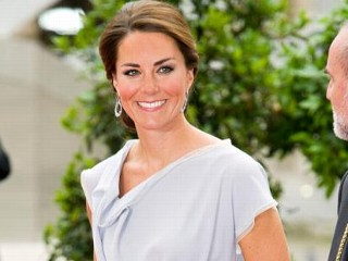 Photos: Kate Middleton Glamorous in Gray