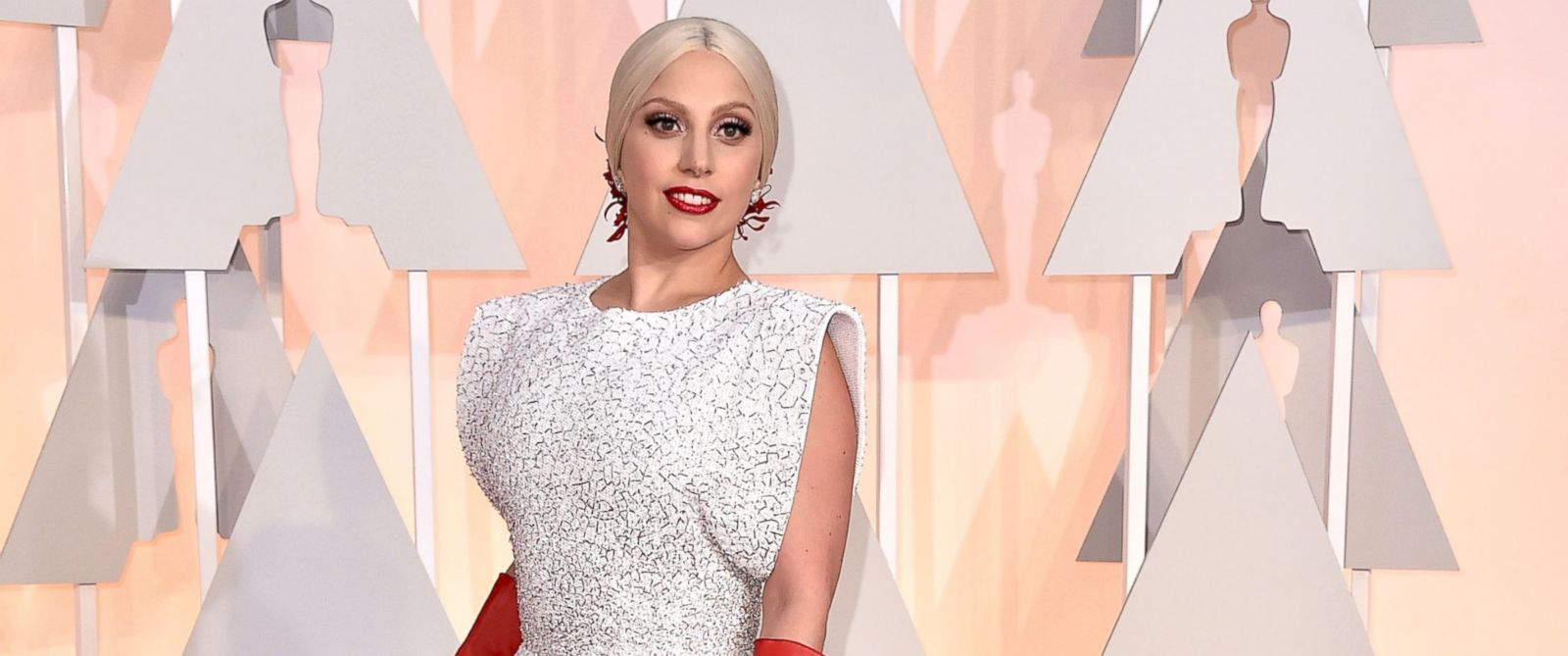 PHOTO: Lady Gaga arrives at the Oscars on Feb. 22, 2015 at the Dolby Theatre in Los Angeles.