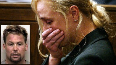 PHOTO: Country singer Mindy McCready reacts as she testifies in Davidson County General Sessions court.