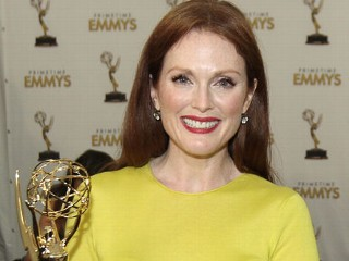 Julianne Moore Victim of $127K Jewelry Theft