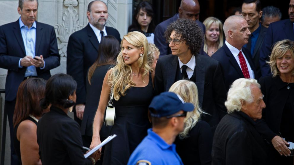Blaine Trump also 358864 further Celebrities At Joan Rivers Nyc Funeral 2014 9 further News besides Lynn Wyatt. on oscar de la renta memorial service