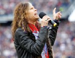 PHOTO: Aerosmiths frontman and singer Steven Tyler sings the National Anthem prior to the New England Patriots AFC Championship NFL football game against the Baltimore Ravens, Jan. 22, 2012 in Foxborough, Mass.