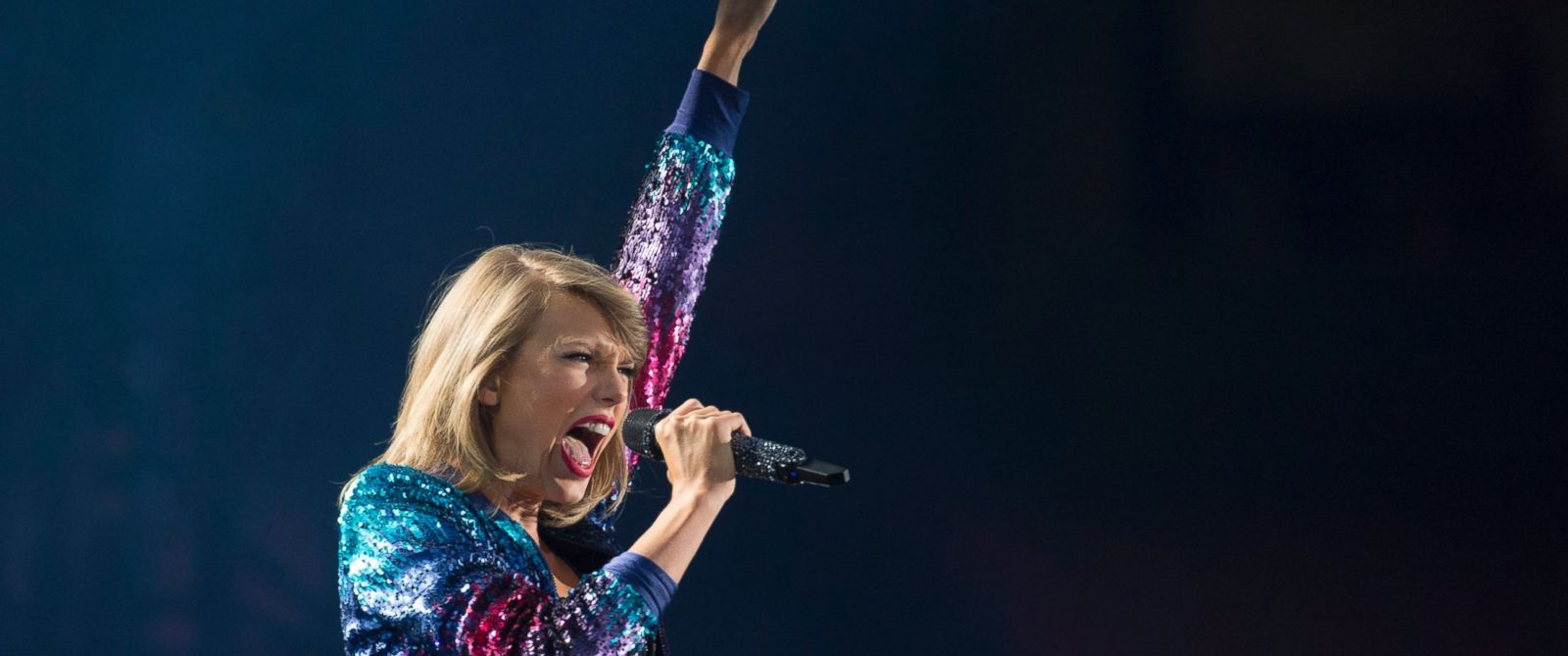 PHOTO: Taylor Swift performs during her 1989 World Tour in Vancouver, =Aug. 1, 2015.