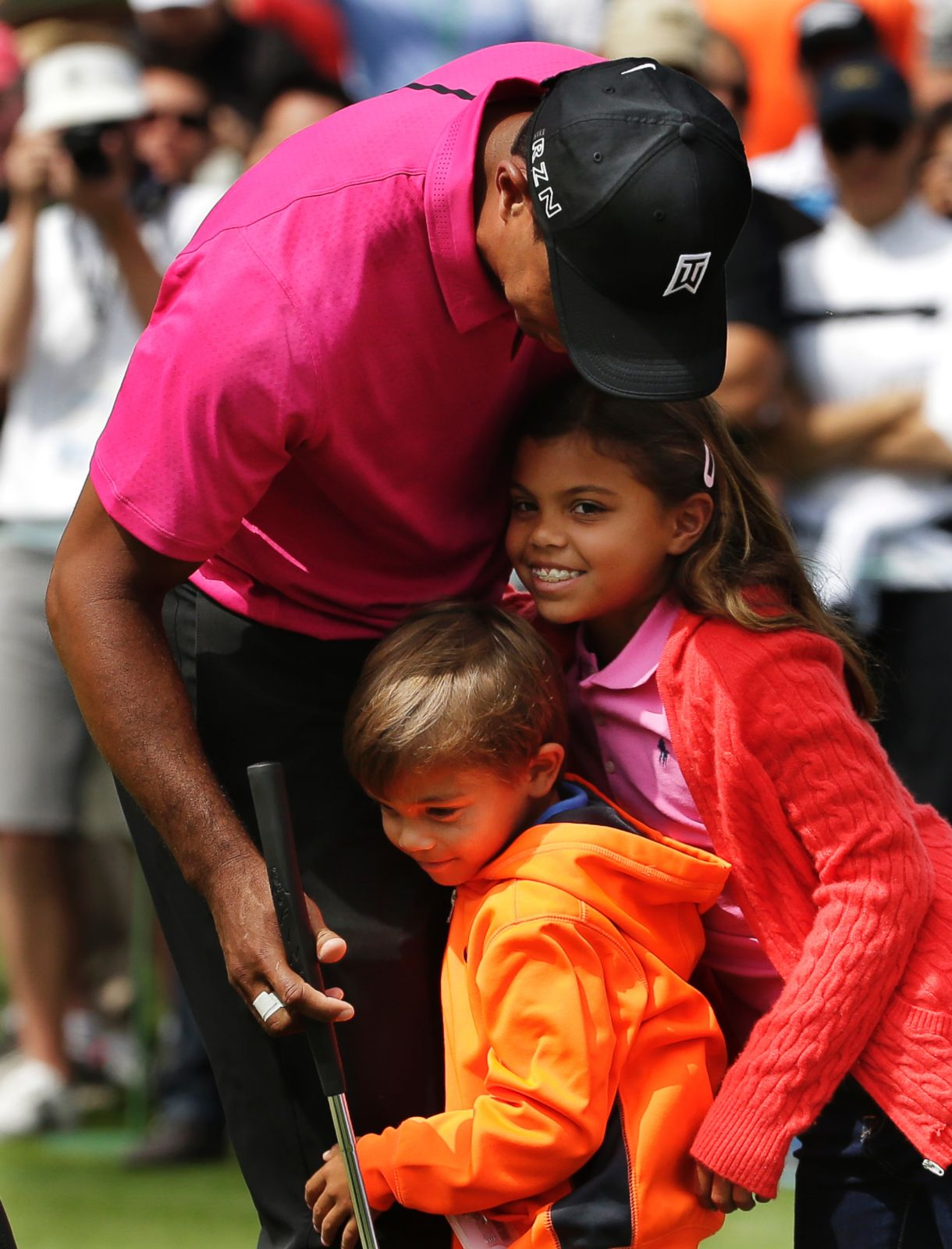 tiger woods u0026 39  children support him at the masters picture