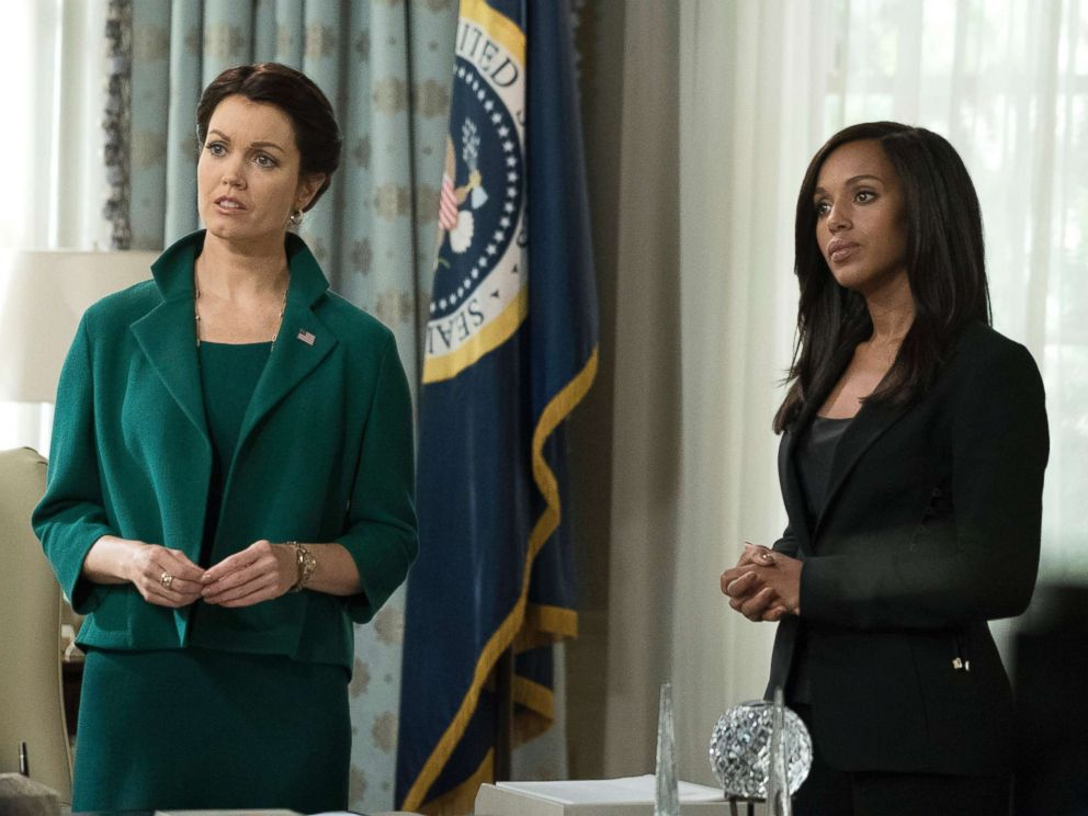 PHOTO: Bellamy Young and Kerry Washington appear on an episode of Scandal.