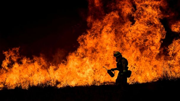 http://a.abcnews.com/images/Entertainment/california-fires-epa-jt-171210_16x9_608.jpg