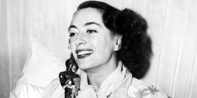 PHOTO: Joan Crawford holding her Academy Award in this March 9, 1946 file photo.