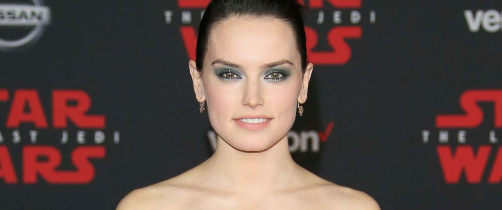 daisy ridley calls star wars the last jedi world