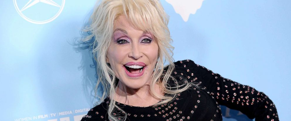 PHOTO: Dolly Parton attends Variety and Women In Films 2017 pre-Emmy celebration at Gracias Madre, Sept. 15, 2017, in West Hollywood, Calif.
