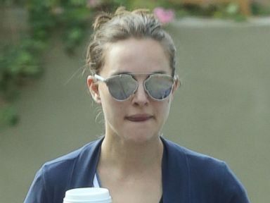 Natalie Portman Grabs a Pick-Me-Up in L.A.